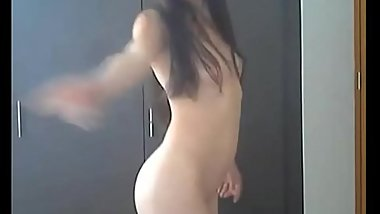 Young brunette girl masturbate on webcam a wet shaved pussy with a big orgasm!